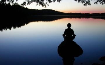 yoga-meditation-5-tips-new-frequency-ftr-1024x640
