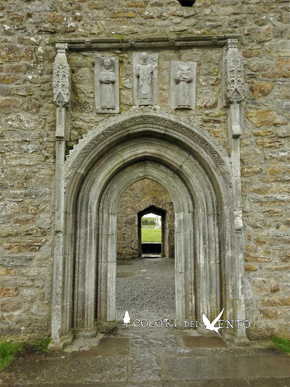 portale gotico cattedrale Clonmacnoise1