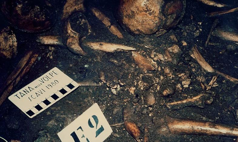 tana della volpe triora archeologia